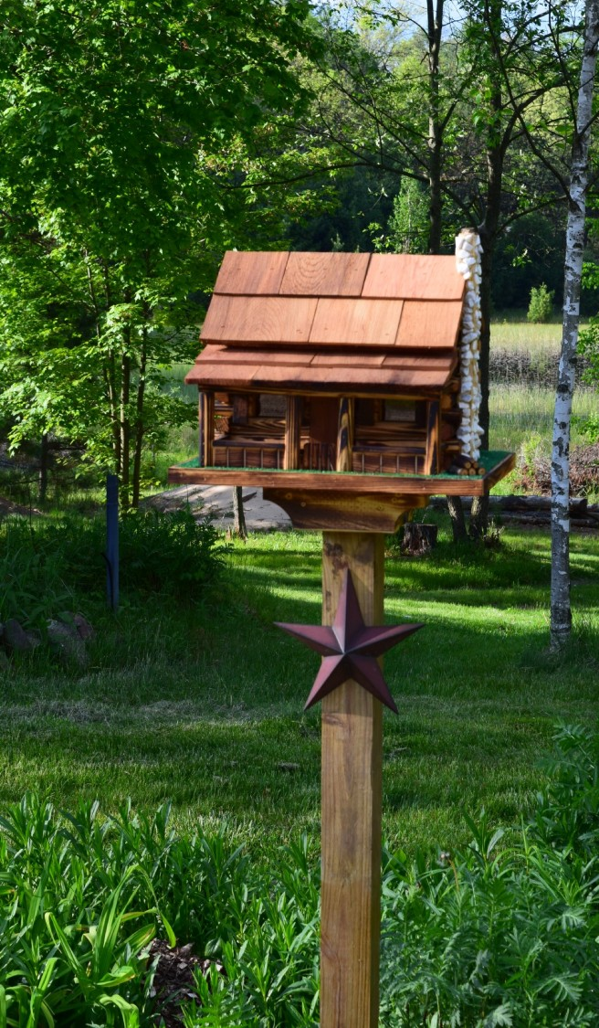 Mem Weekend Bird House